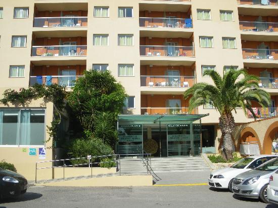 azuLine Hotel Atlantic : Hotel entrance