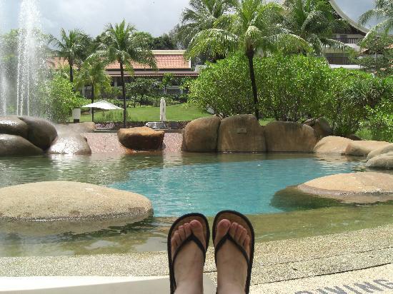 เดอะเวสทินลังกาวี รีสอร์ท & สปา: One of the pools... The Rock Pool!