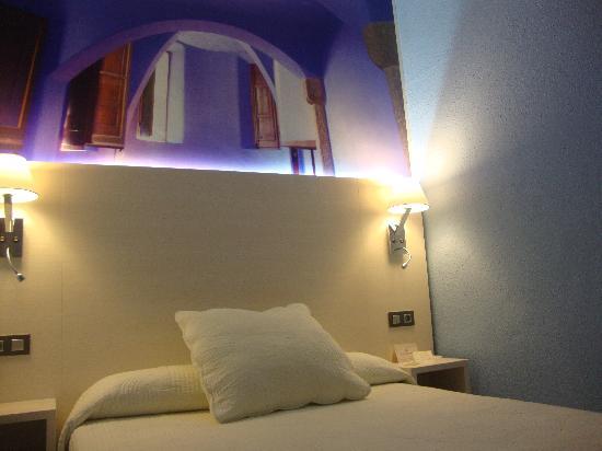Hostal Fontanella: Habitacion Doble