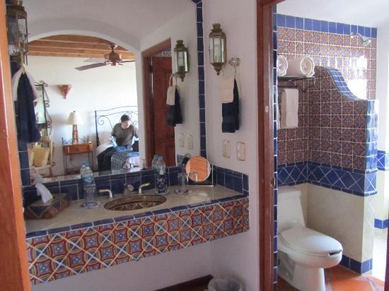 Casa Estrella de la Valenciana : Baños con Talavera y tina