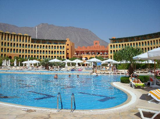 Strand Beach and Golf Resort Taba Heights : piscine
