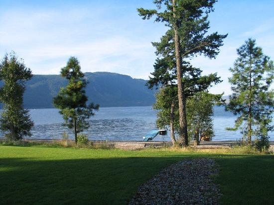 Quaaout Lodge & Spa at Talking Rock Golf Resort: Quaaout - view to Little Shuswap Lake