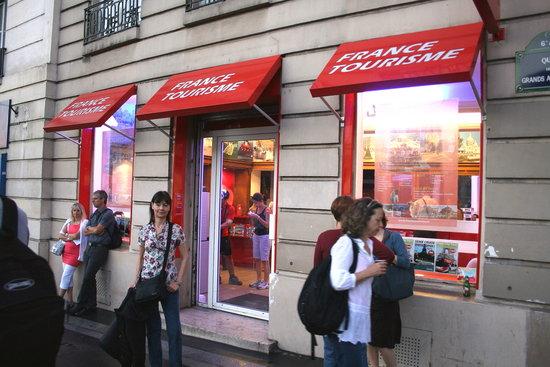 France Tourisme - Daily tour : Frente a la oficina de France Tourisme