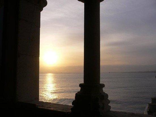 เบเลม: Puesta de sol desde la Torre de Belem
