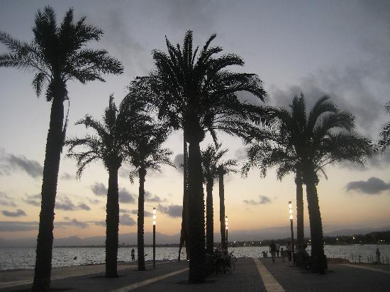 Ohtels Vil.la Romana: Salou at night
