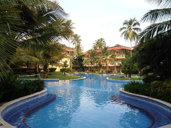 Dreams Punta Cana Resort & Spa: The beautiful pool
