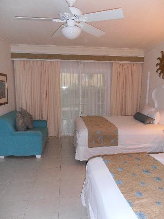 Dreams Punta Cana Resort & Spa: Our room - beautiful!