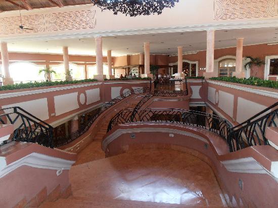 Dreams Punta Cana Resort & Spa: Titanic-esque stairs