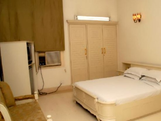 Sabharwal's Homestay : Comfort Homestay - Rajan Villa