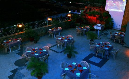 Hotel Dhammangi Comforts: Hotel Tirumala Classic