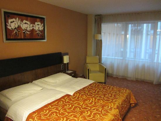Hotel Avalon: Habitación