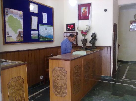 Chinar Lodge Hotel