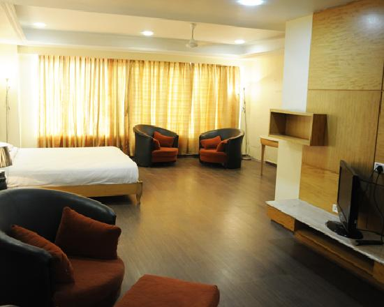 Hotel Neelkanth Blues