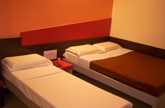 Mannars Yatrinivas: MTR Yatri Nivas Lodge