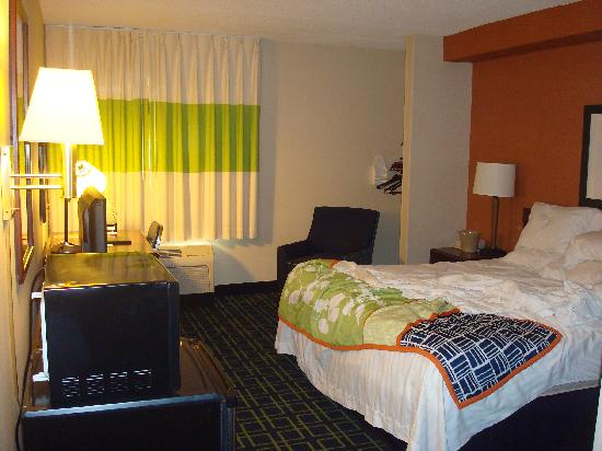 Fairfield Inn Portsmouth Seacoast: Room