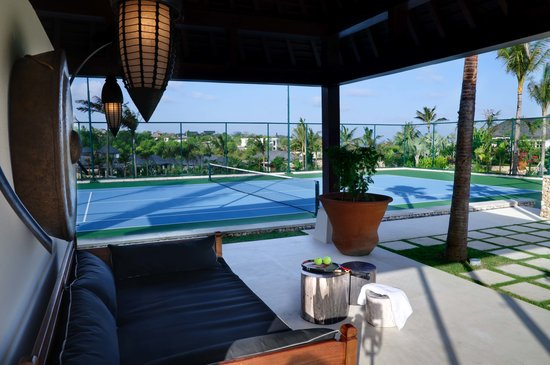 The Ungasan Clifftop Resort: Semara Uluwatu Tennis Court