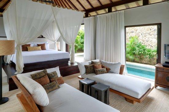 The Ungasan Clifftop Resort: Villa Pawana Master Bedroom