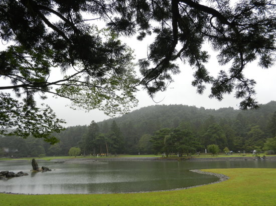 Motsu-ji Temple: motsuji pond