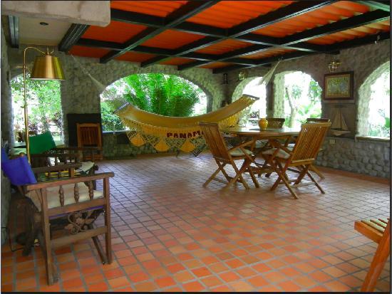Casa Di Pietra: La Terraza
