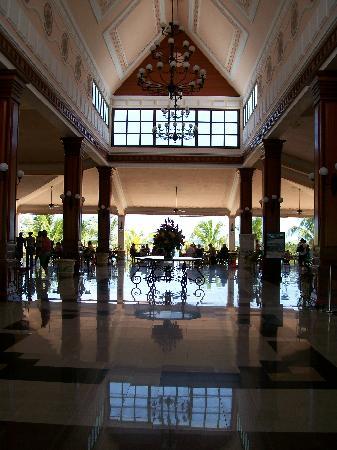 คลับโฮเต็ล ริอูออคโคริออส: main lobby