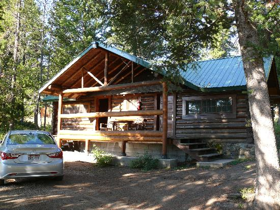 Pahaska Teepee Resort: cabin @ Pahaska