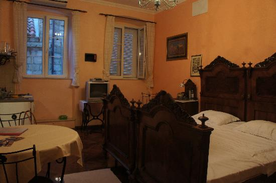 Amoret Apartments: Our Room