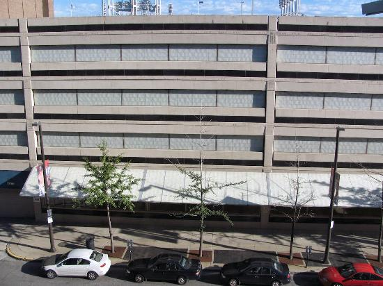 Radisson Hotel Cleveland - Gateway: My view: a parking garage