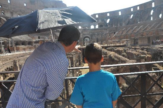Artviva: The Original & Best Tours Italy: Colosseum with Artviva guide