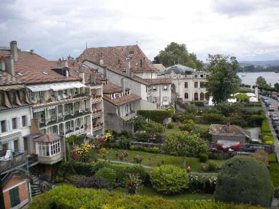 Romantik Hotel Mont-Blanc Au Lac: View of town