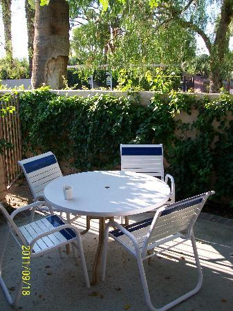 Palm Springs Tennis Club: One of Two Patios