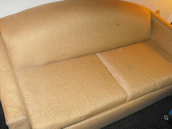 Wynne, AR: couch