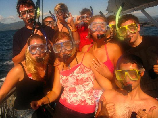 JJ's Backpackers Hostel: Group Reef Trip - Lots os fun!