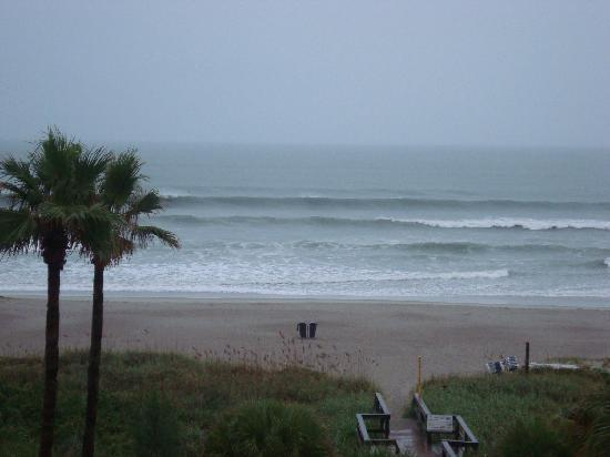 DoubleTree by Hilton Hotel Cocoa Beach Oceanfront: View from our room!