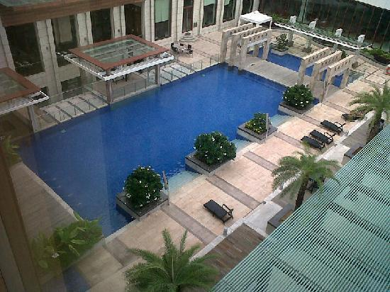Novotel Hyderabad Airport : Very nice pool