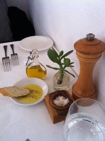 Esposito at Toofey's: Great olive oil for your bread