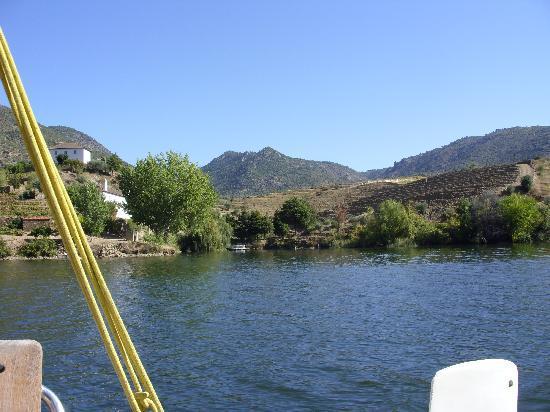 Douro Fluvina Yachts: spectacualr scenery