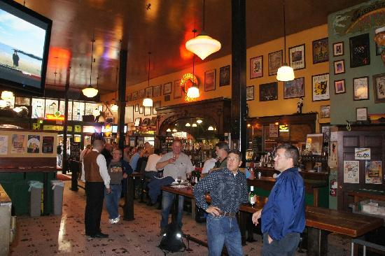 The Central Saloon: Der Saloon