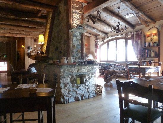 Vernante, Włochy: la salle du petit dejeuner