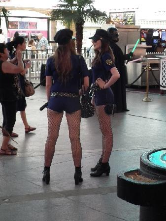Fremont Street Experience: Police Trap
