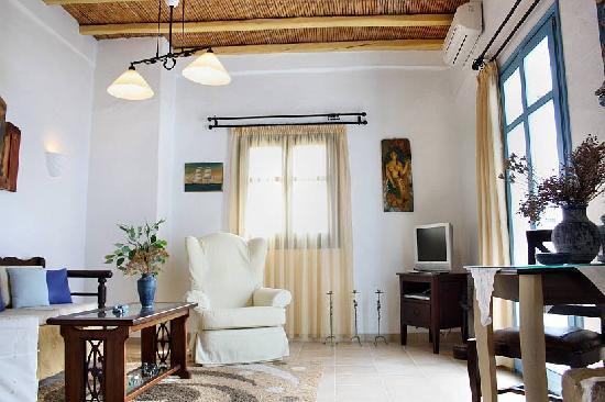 Tholaria Boutique Hotel Astypalaia: inside room