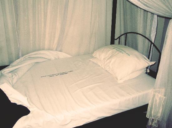 Kindoroko Hotel : Bed