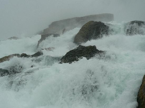 ถ้ำแห่งสายลม: dentro la cascata ....