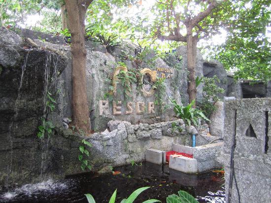 AC Resort: Front richtung Zimmer