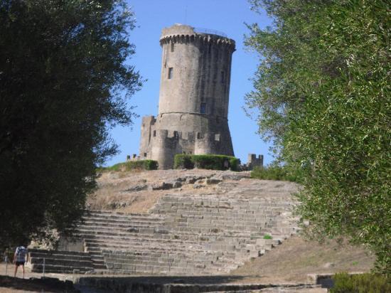 Velia Ruins: teatro
