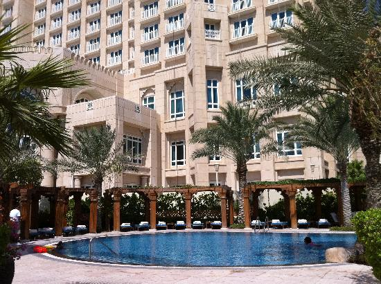 Four Seasons Hotel Doha: POOL