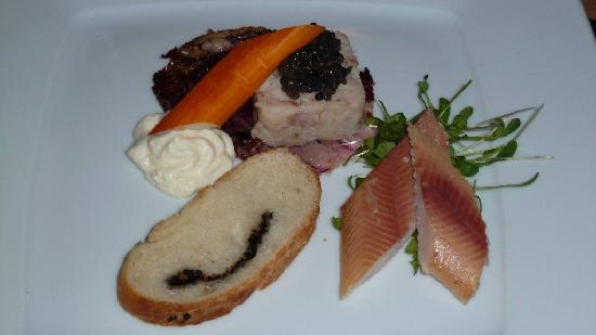 Hotel Mirabeau: Vorspeise im Restaurant Zermatta