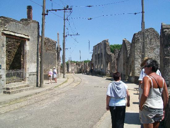 Oradour-sur-Glane old town: Main Street