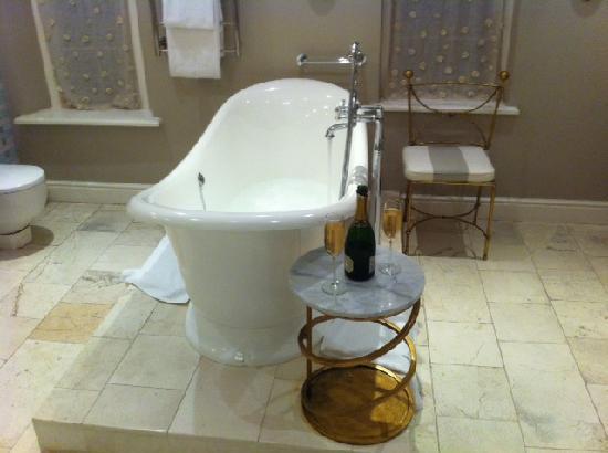 โรงแรมเคปเฮอริเทจ: Slipper bath