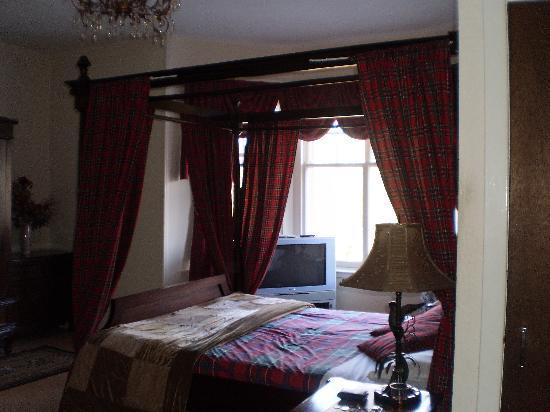 Strathpeffer Hotel: room 24