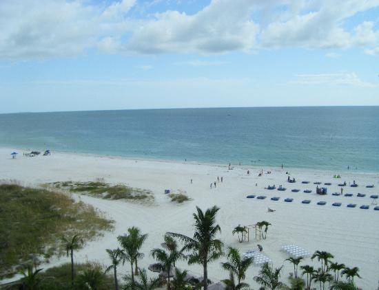 Grand Plaza Beachfront Resort Hotel & Conference Center: view from our balcony of the gulf coast
